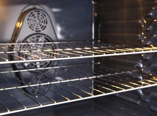 OTG Vs Oven: Differences between Microwave and Oven